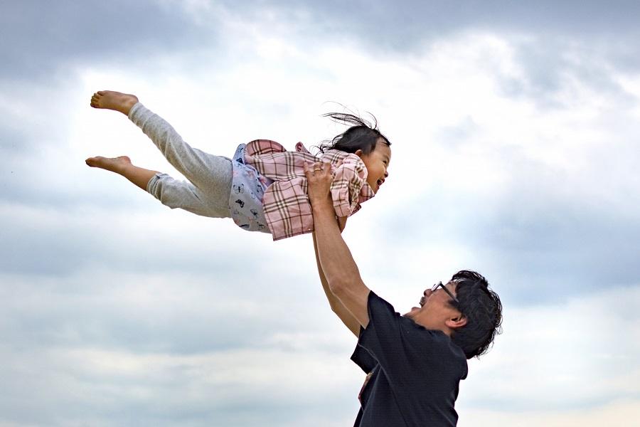 子育てする父親1000人の声を集めます!「パパのホンネ白書2021」
